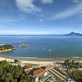 金銮湾海滨浴场